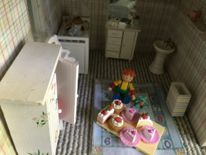 kids-room-and-nursery-doll-house